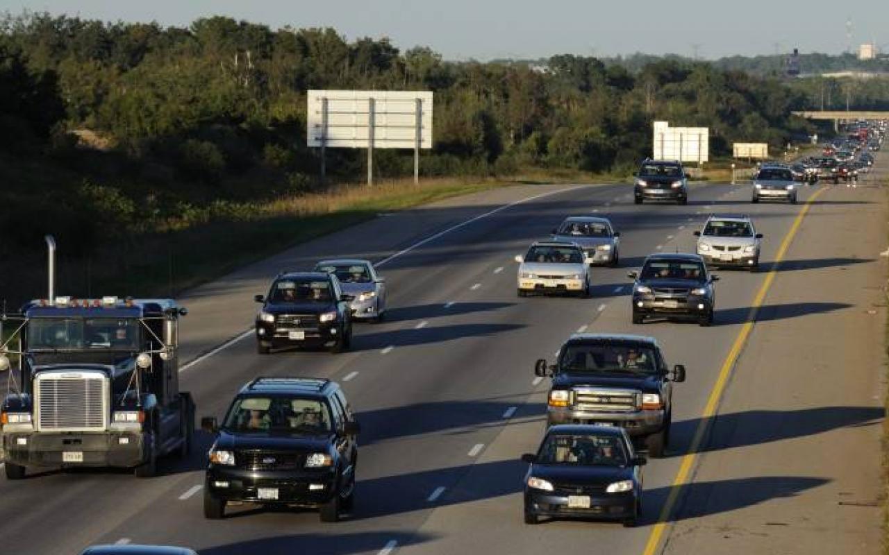 Kanada polisi bu kez sürücüleri başka türlü uyardı