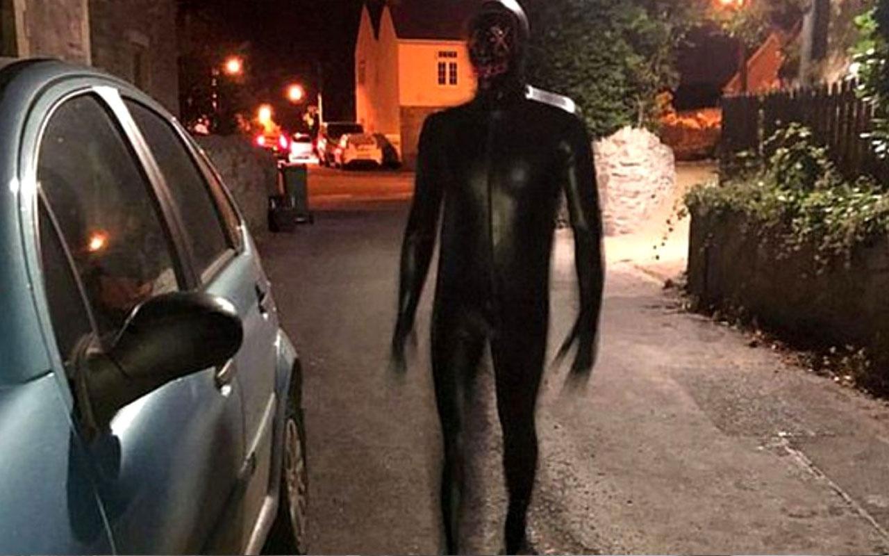 Kadına saldırdı! İngiltere'de lastik tulumlu sapık her yerde aranıyor