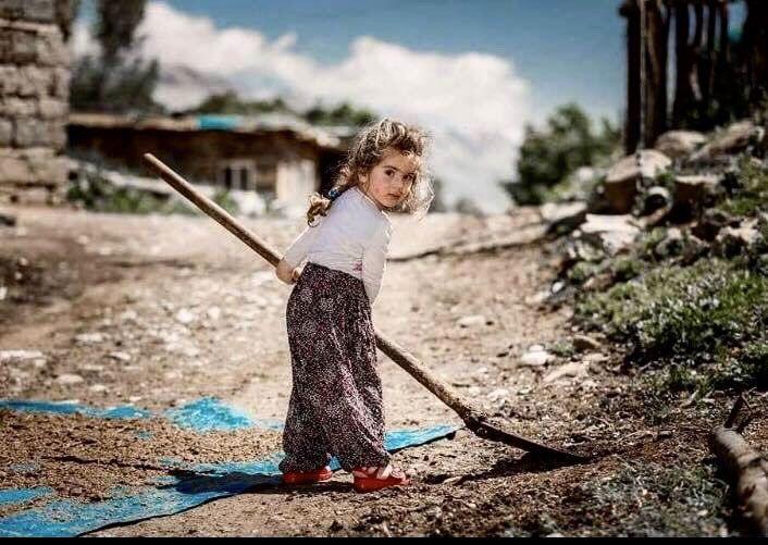 Şehit astsubayın Tunceli'de kucağına alıp fotoğraf çektirdiği çocuk Ayaz Güloğlu çıktı - Sayfa 2