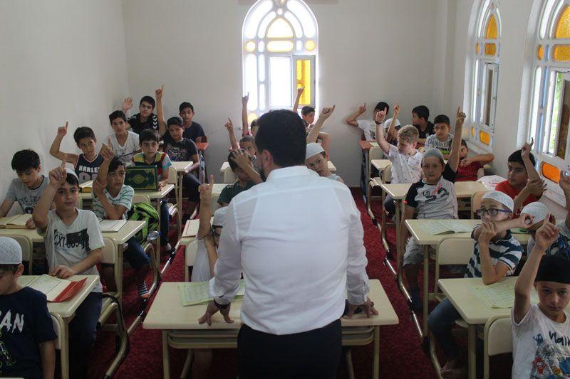 Kocaeli'de sıra dışı imam yaptıklarını duyanlar soluğu camide alıyor - Sayfa 3