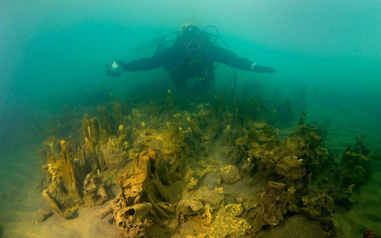 Van Gölü'nde keşfedilmeyi bekleyen sırlar için yurt içi ve yurt dışından geliyorlar