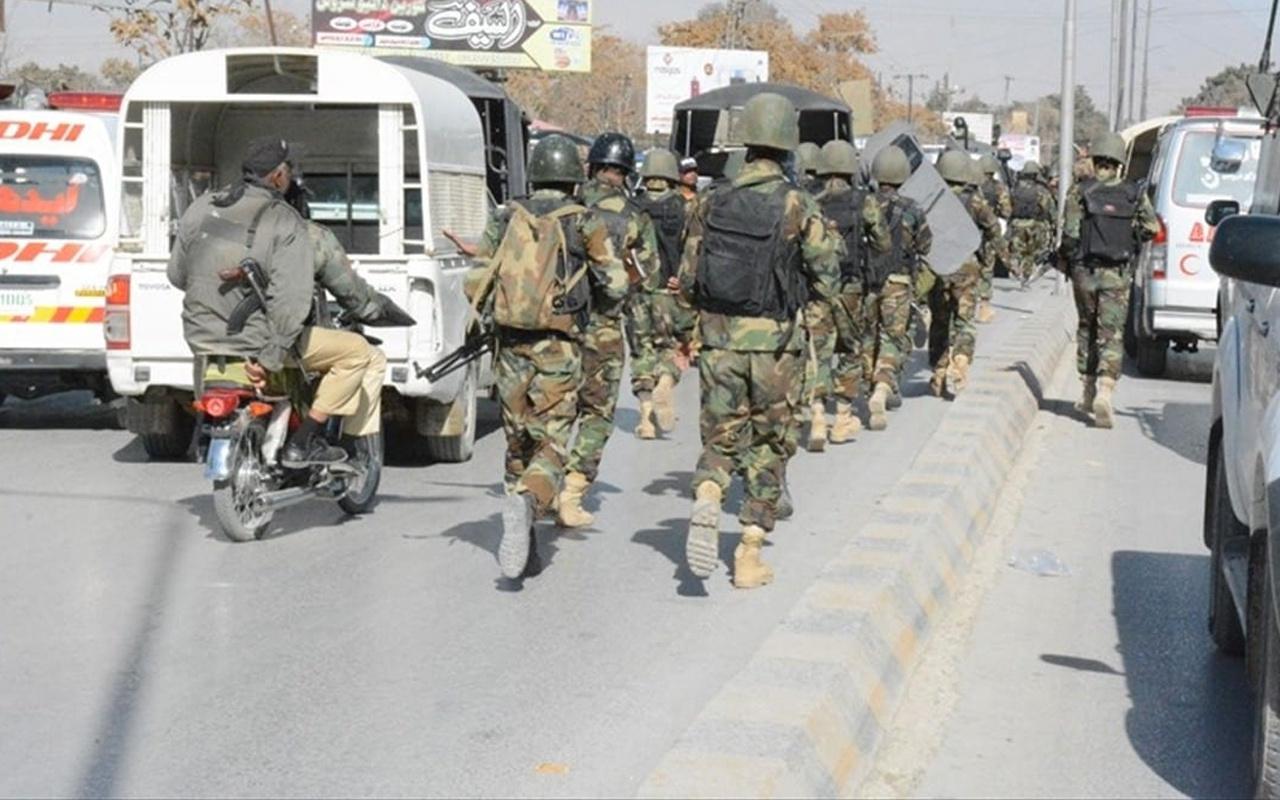 Pakistan'da Dera İsmail Han bölgesinde düzenlenen saldırıda 9 kişi öldü