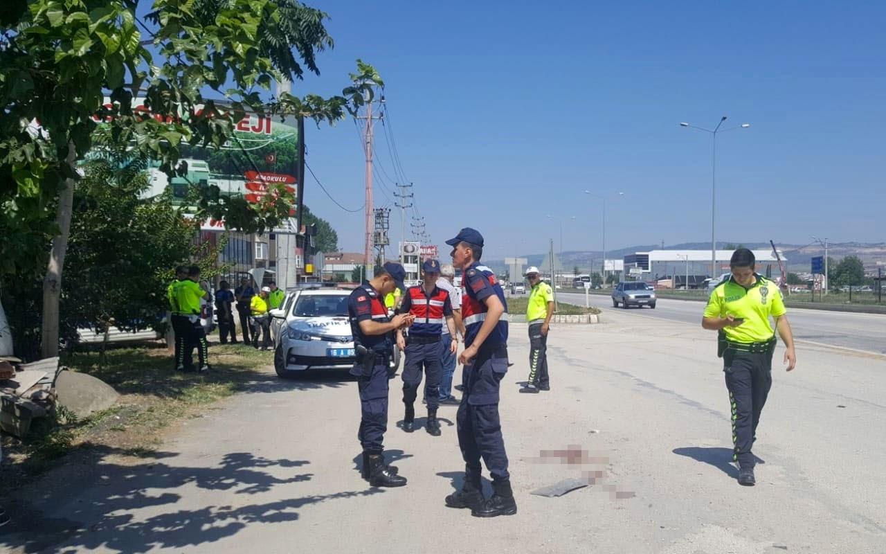 Bursa'da durakta otobüs bekleyen yaşlı kadın kamyonun altında kaldı