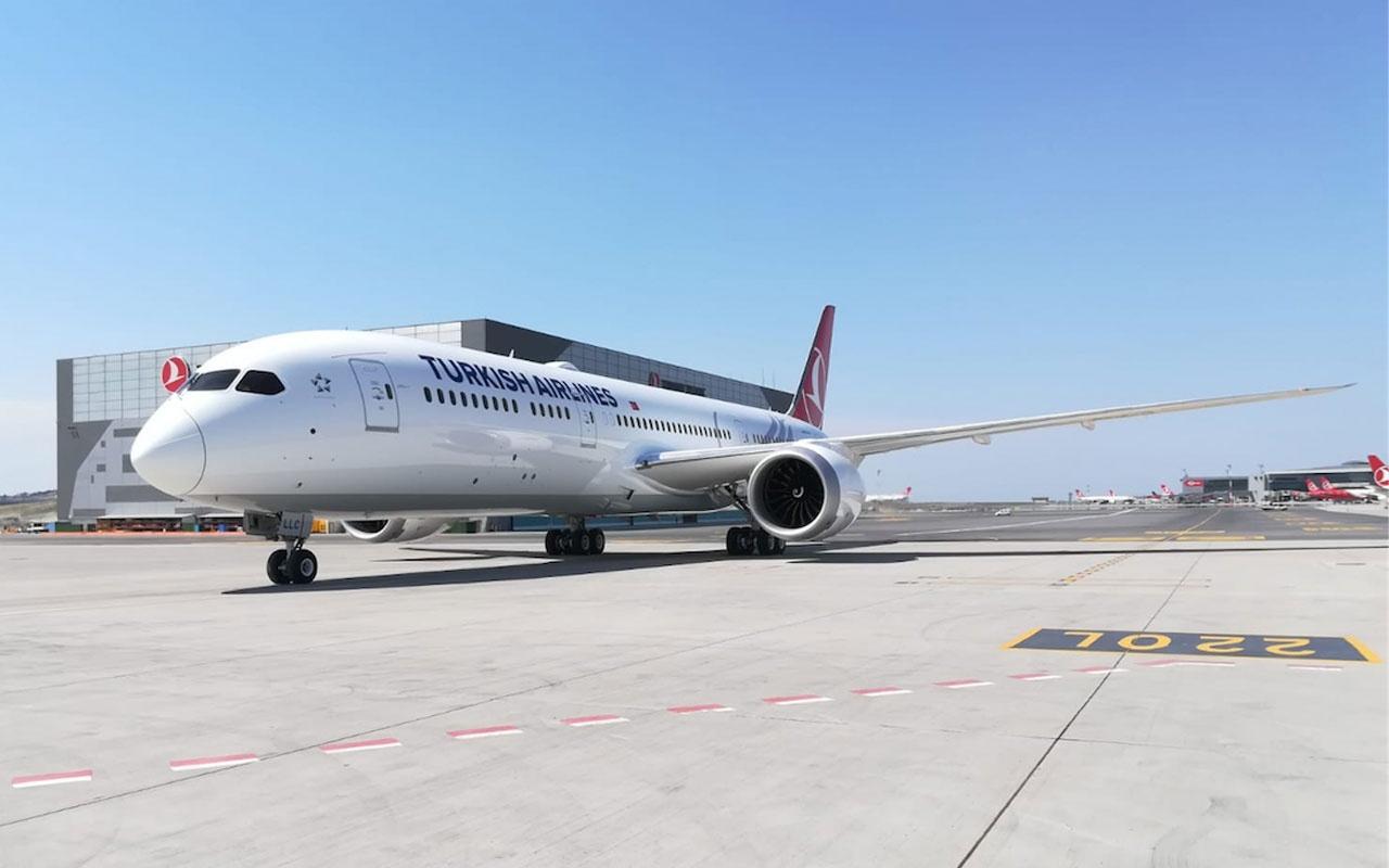 Türk Hava Yolları'nın yeni nesil 'rüya uçakları'nın üçüncüsü İstanbul'a geldi