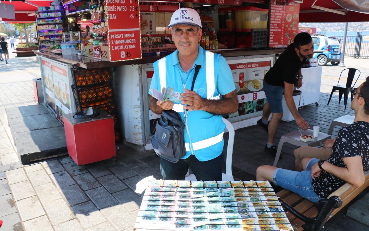 Üsküdar'da 70 milyonluk bileti satan seyyar satıcı konuştu: Talihli bana bir telefon açsa yeridir