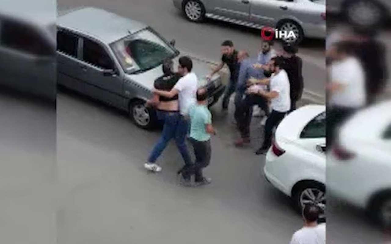 Ümraniye'de trafikte tekme tokat kavga kamerada