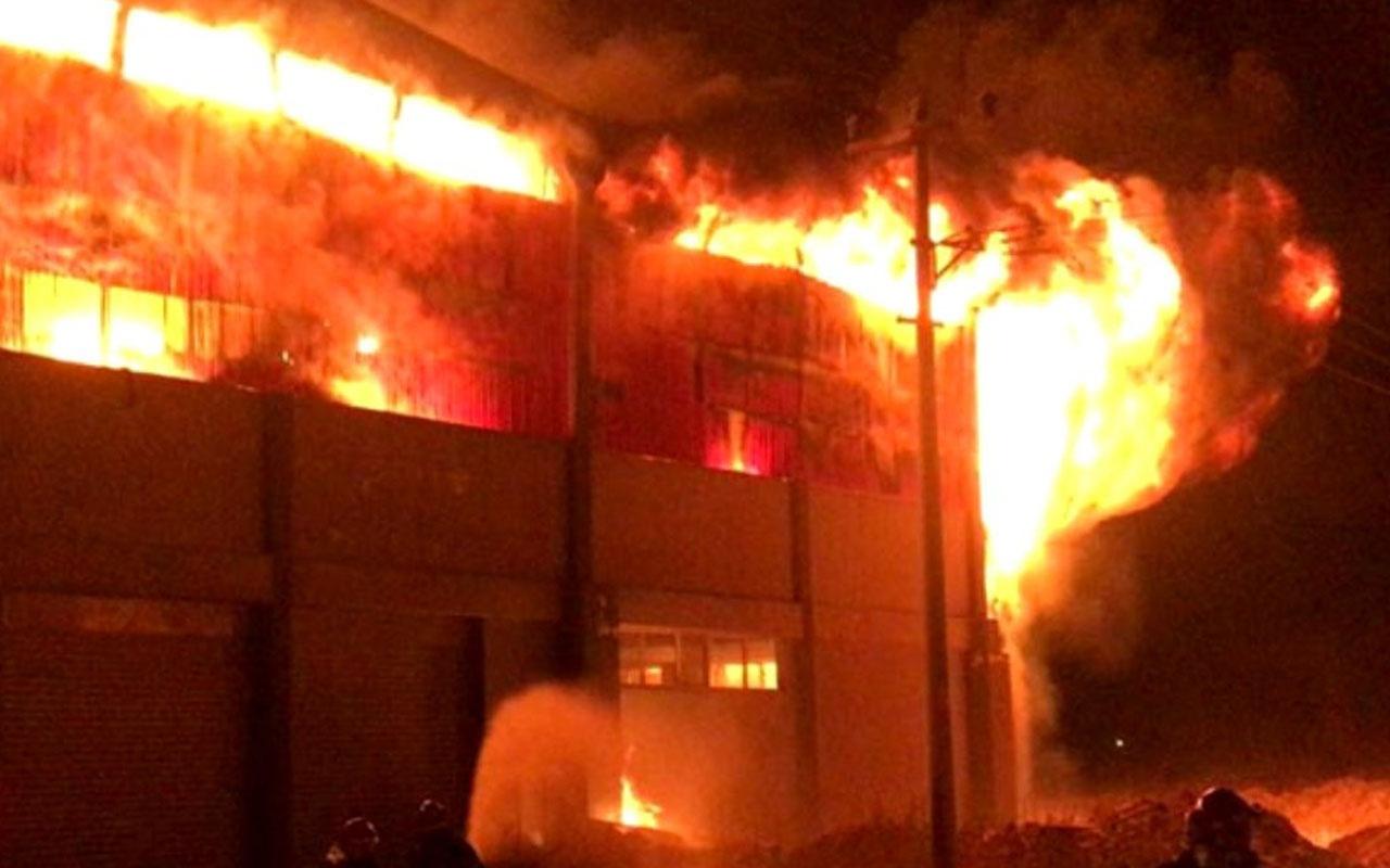 Gaziantep'te korkutan fabrika yangını! Dumanlar gökyüzüne yükseldi