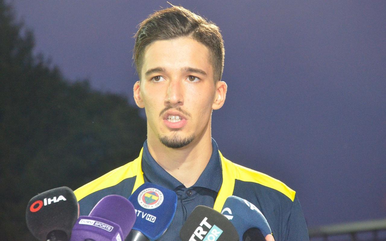 Fenerbahçeli genç kalesi Altay Bayındır, Ersun Yanal'a teşekkür etti