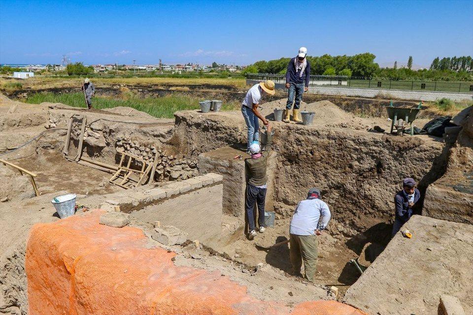 Van'da kazı çalışmalarında bulundu yetkililer 'sıra dışı durum' dedi - Sayfa 4