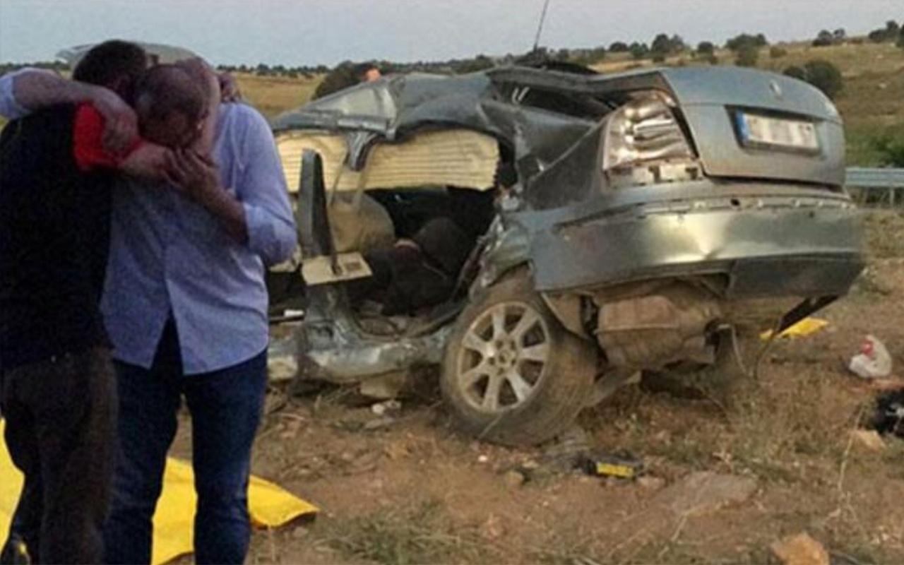 Konya'da iki otomobil çarpıştı 2 ölü 3 yaralı