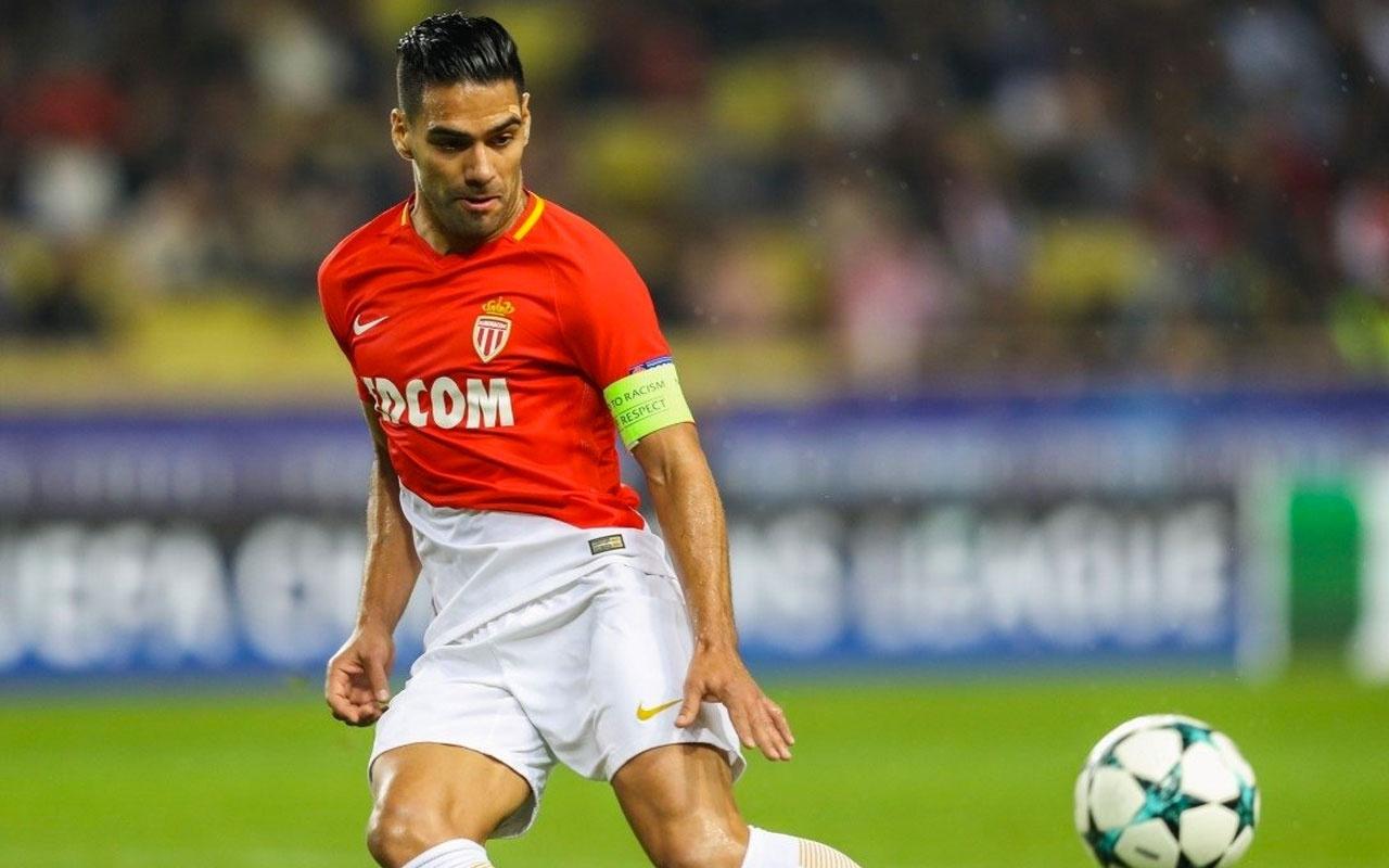 Falcao'nun menajerinden Galatasaray'ı şoke eden teklif! Nainggolan'da pürüz çıktı