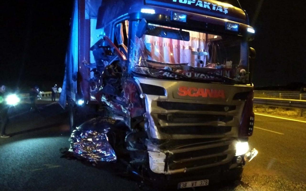 Ankara'da lastik değiştiren 2 tamirciye TIR çarptı: 2 ölü 1 yaralı