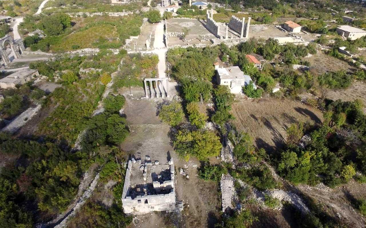 Mersin'de Zeus'a adanan tapınak gün yüzüne çıkarılıyor!