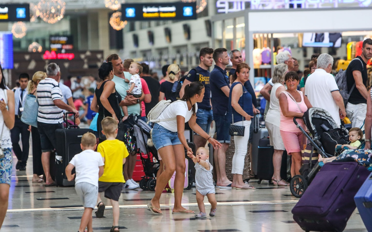 Türkiye ilk 6 ayda 18 milyon yabancı ziyaretçi ağırladı