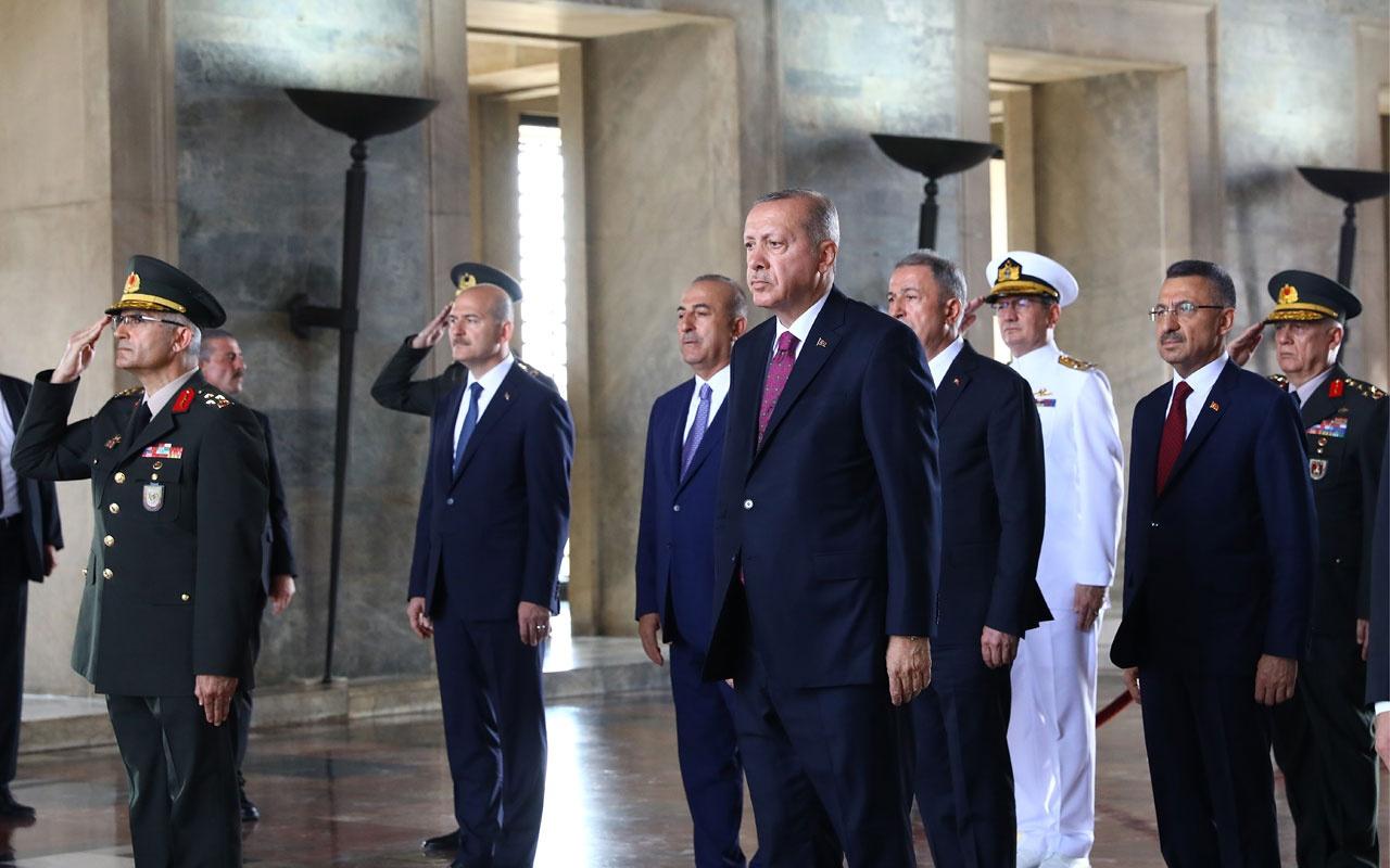 Anıtkabir Özel Defteri'ni imzalayan Erdoğan'dan kritik TSK açıklaması