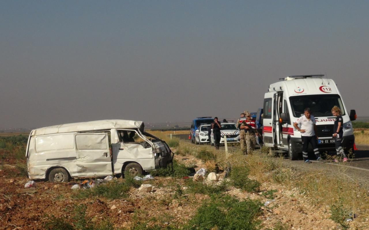 Gaziantep'te işçilerini taşıyan minibüs devrildi! Ölü ve yaralılar var