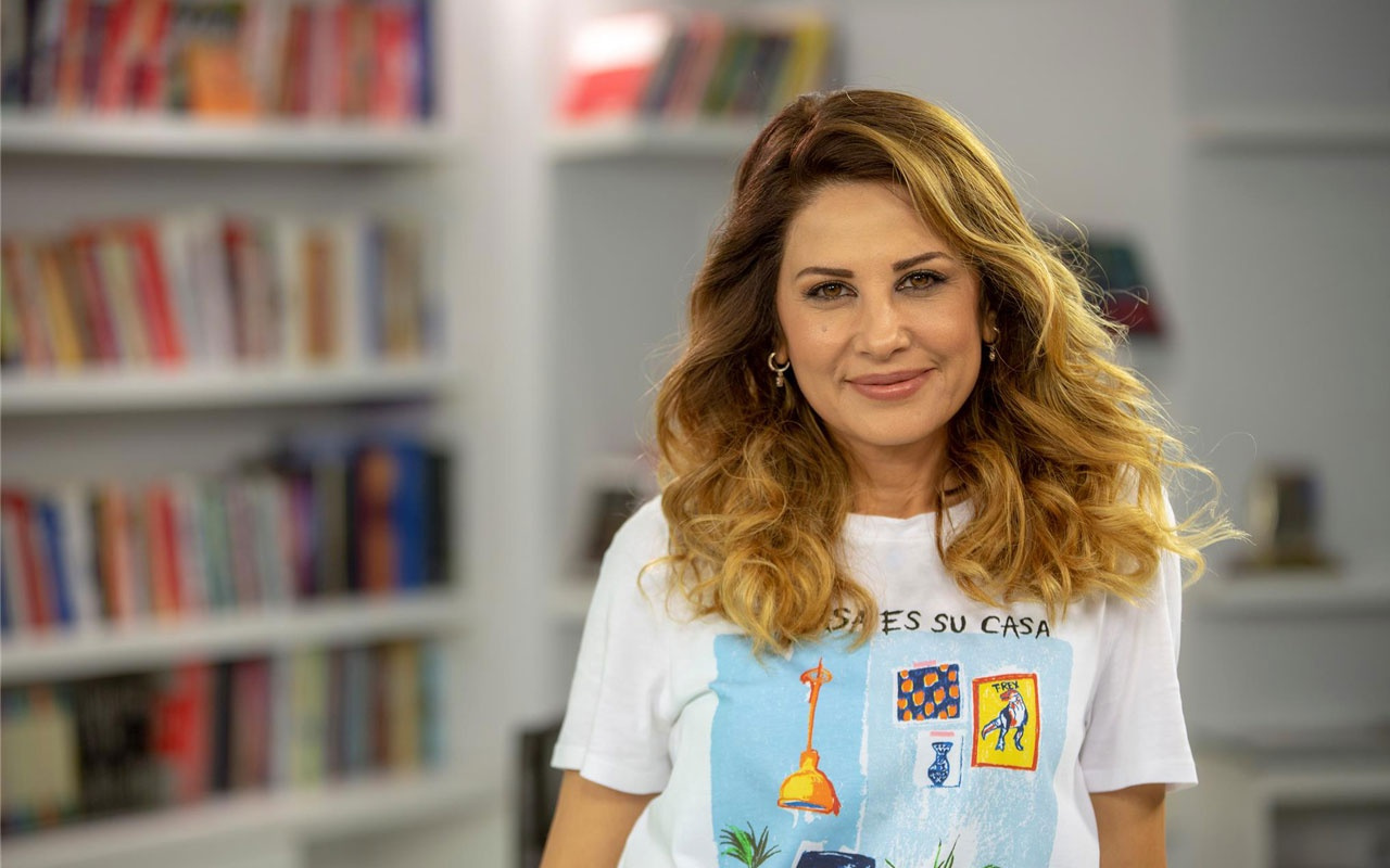 Hande Kazanova Ağustos 2019 aylık burç yorumları Yeniay'ın etikilerine dikkat!