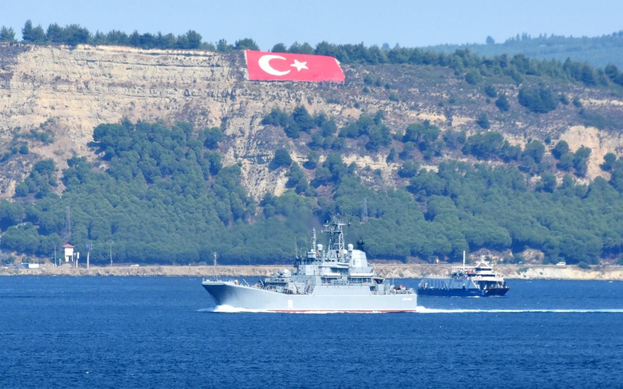 Rus savaş gemisi 'Caesar Kunikov' Akdeniz'e iniyor