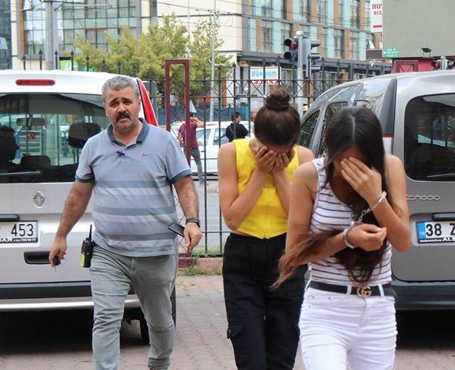 Kayseri'den evlerden hırsızlık yapan abla kardeş suçüstü yakalandı