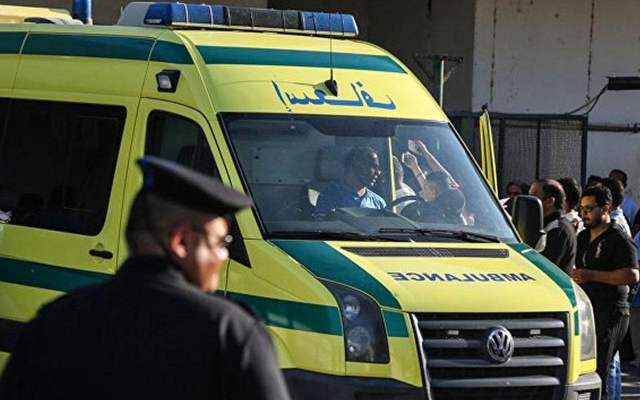 Mısır'da 4 araç çarpıştı yangın çıktı 16 ölü 21 yaralı