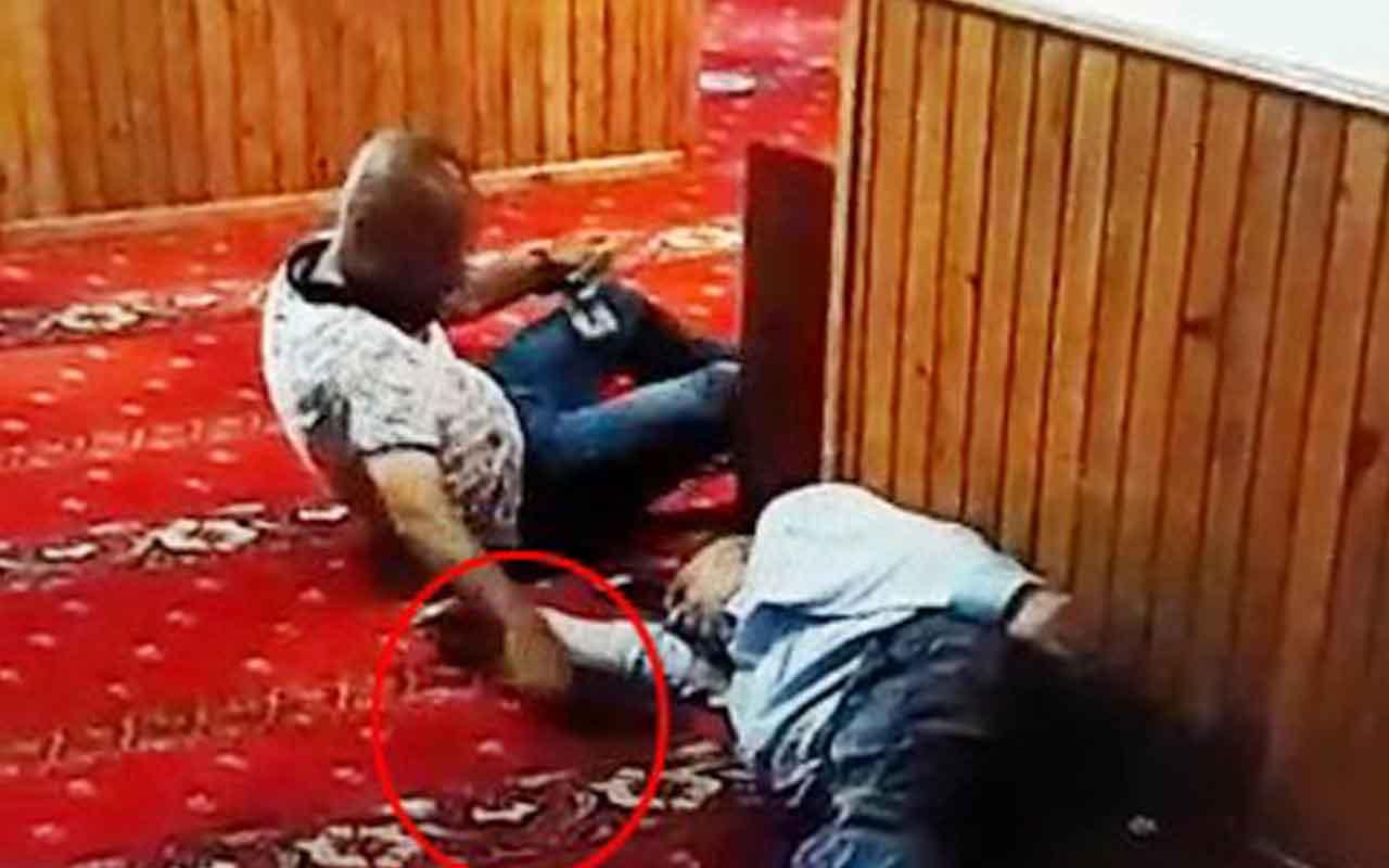 Karaköy'de uyuyan şahsın telefonunu böyle çaldı