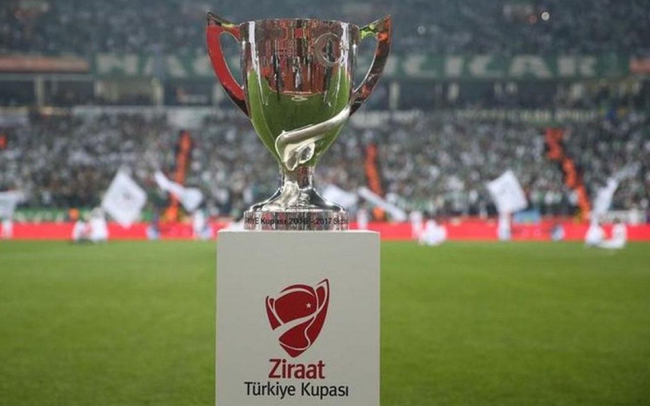 Galatasaray ve Akhisarspor yarın Süper Kupa için kozlarını paylaşacak