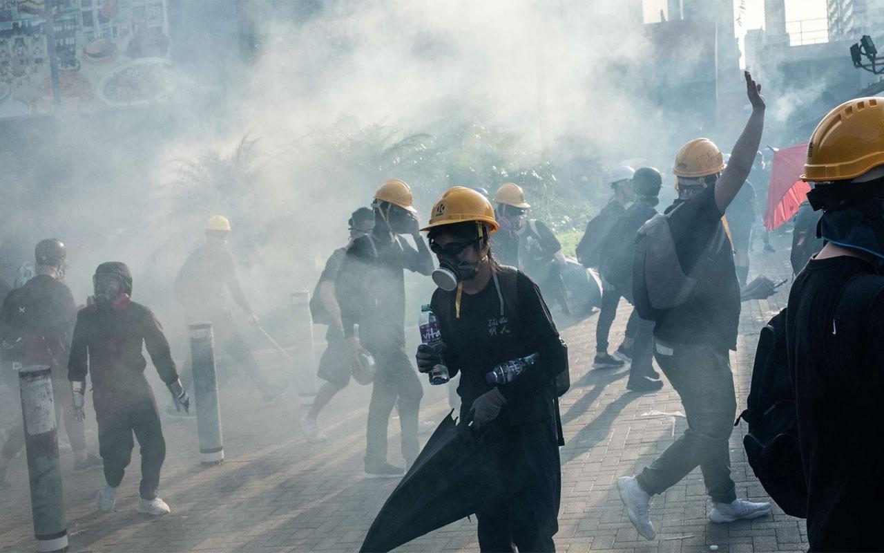 Çin'in Hong Kong sınırında 12 bin polisle tatbikat