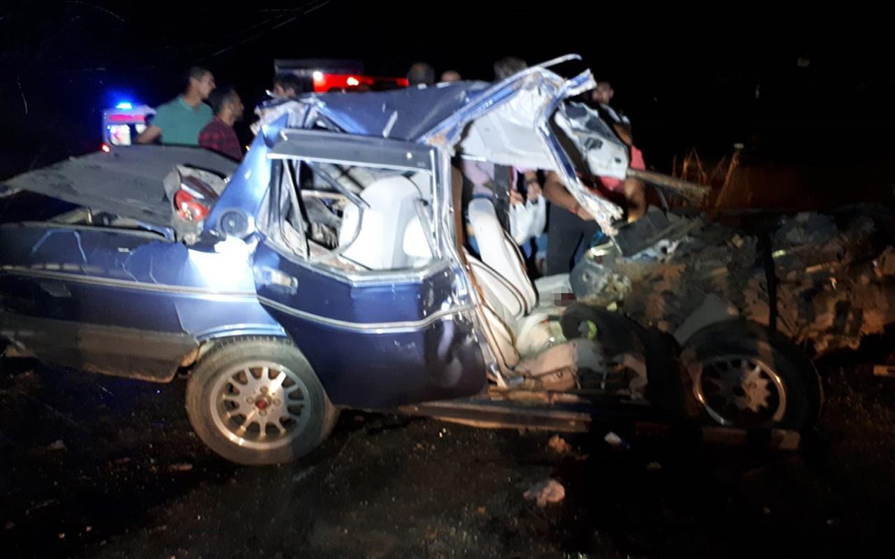 İzmir'de akıl almaz kaza! Kafa kafaya çarpıştı ucuz atlatıldı