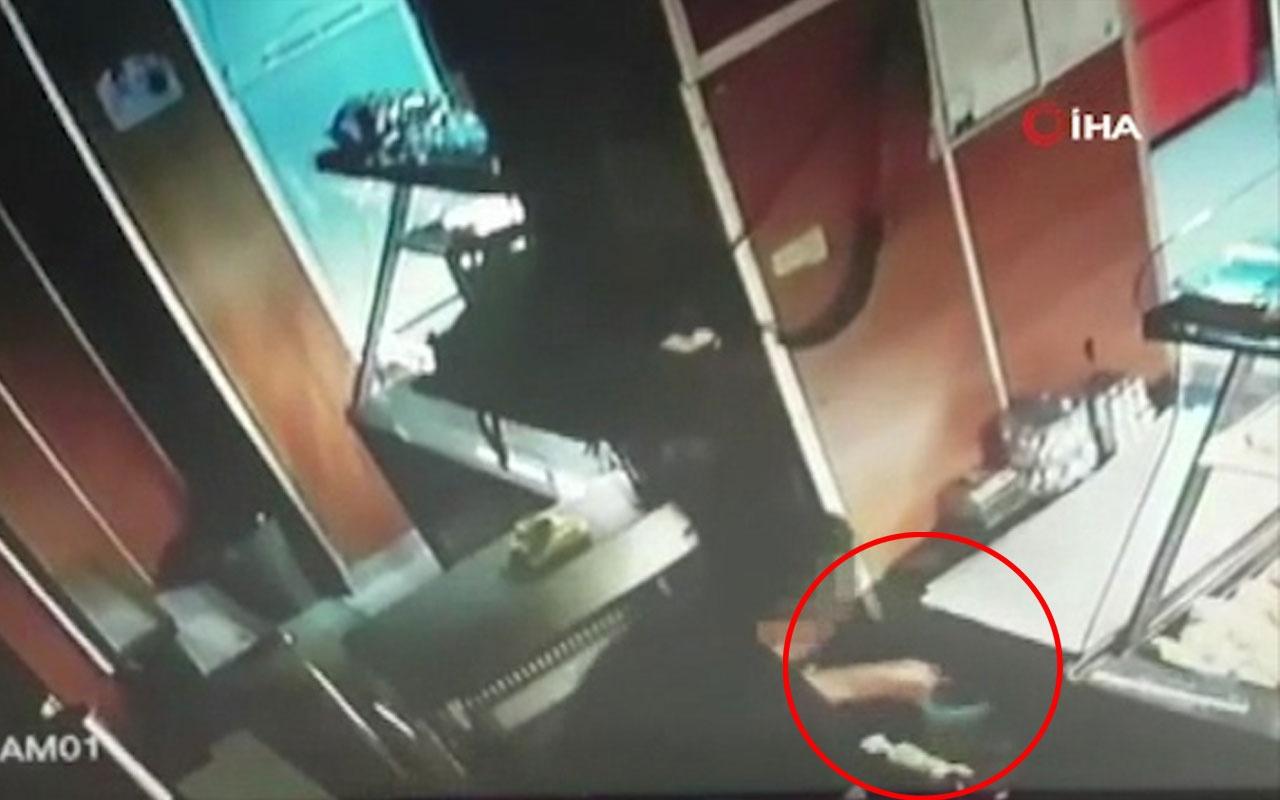 Pendik'te fırından para çalan hırsız yakalandı