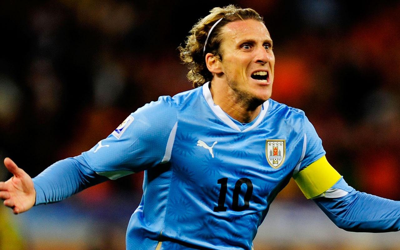 Diego Forlan futbola veda etti