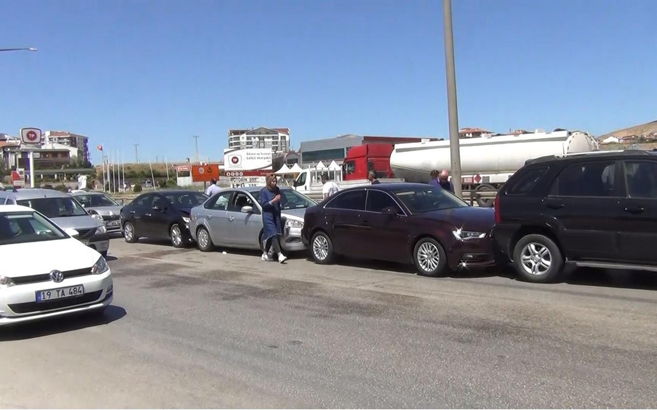 Kırıkkale'de karayolu'nda zincirleme kaza! 3 yaralı