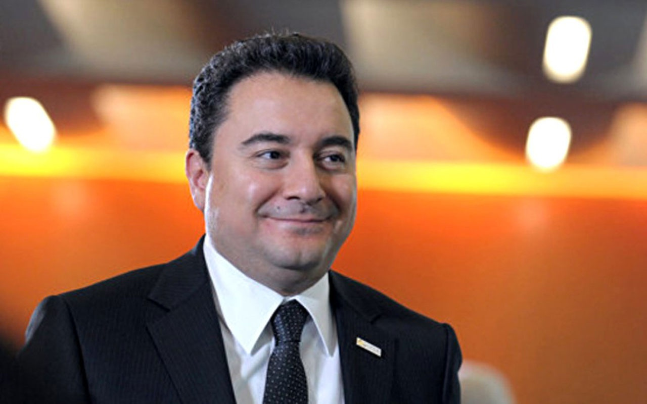 AK Parti'den istifa eden Ali Babacan, yeni parti çalışmasını başlattığını resmen duyurdu