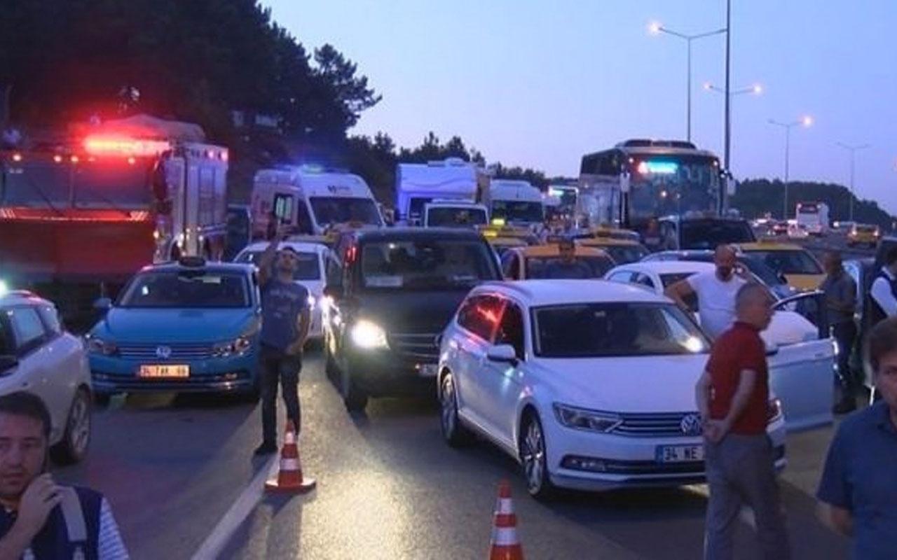 Sürücüler dikkat! İstanbul Havalimanı yolu trafiğe kapandı