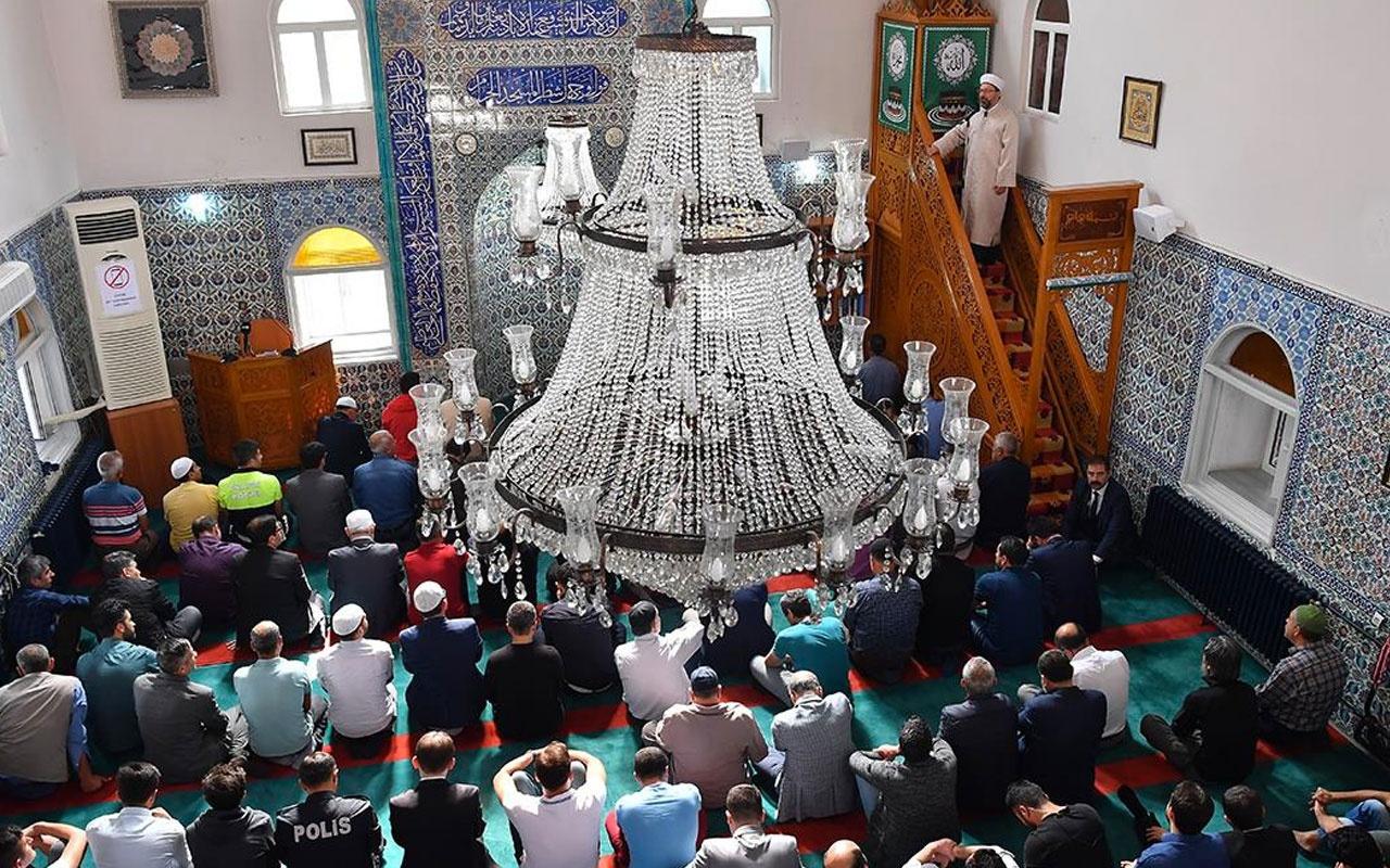 İzmir bayram namazı saati Diyanet kaçta kılınacak?