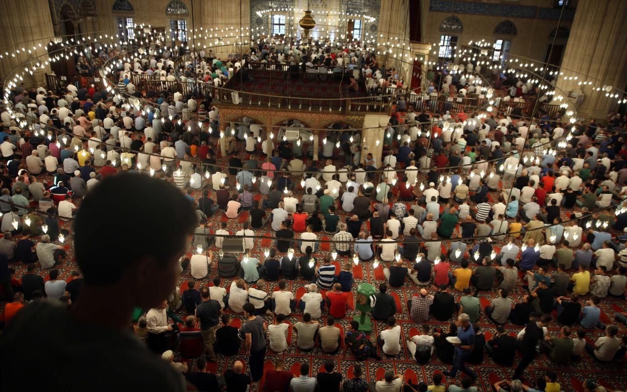 Camiler ne zaman açılacak toplu namaz ne zaman Diyanet'ten açıklama