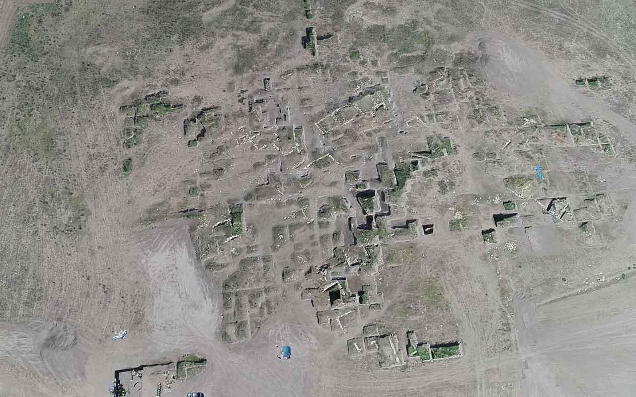 Eskişehir'de Anadolu'nun 5 bin yıllık ilk şehir yapılanması ortaya çıkarıldı