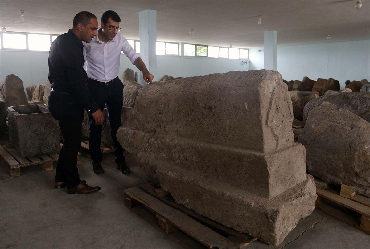 Pasinler'de heyecanlandıran kümbet kazısı Sultan 2. Alaaddin Keykubat'ın sandukası bulundu - Sayfa 1