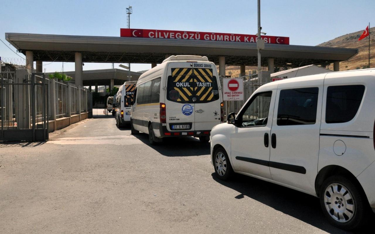 O ilde sınırı kaçak geçmek istediler onlarca kişi sınır dışı edildi