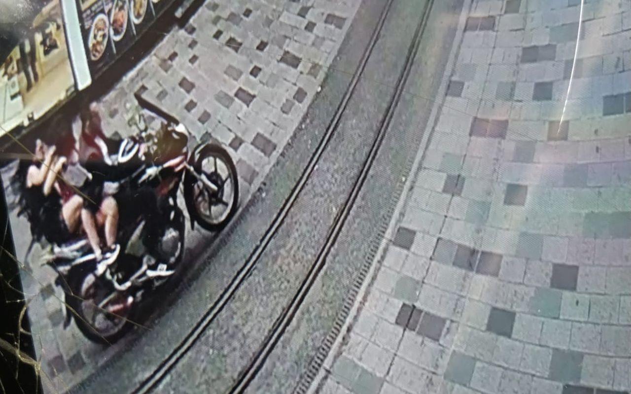 İstanbul Taksim'de turist kadınlara dehşeti yaşatan sürücü yakalandı