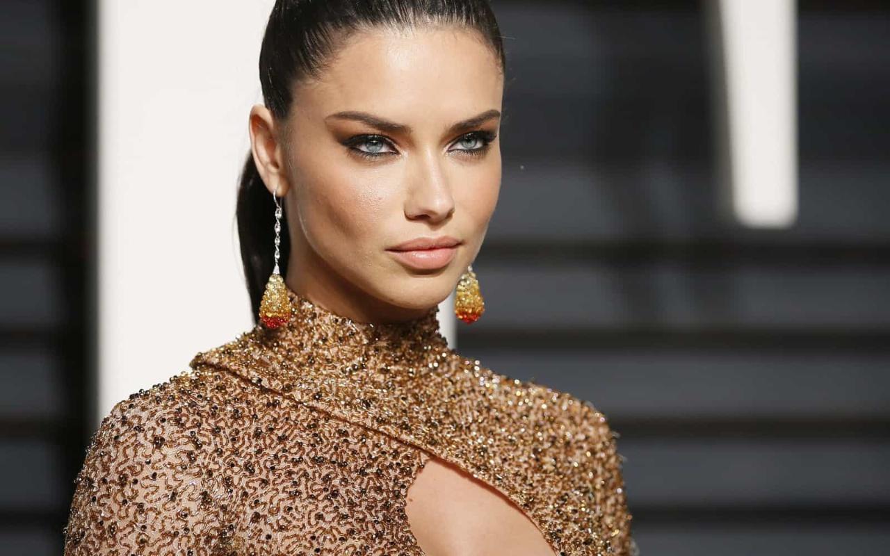 Top model Adriana Lima'nın paylaşımı olay oldu: Türk yok mu hiç?