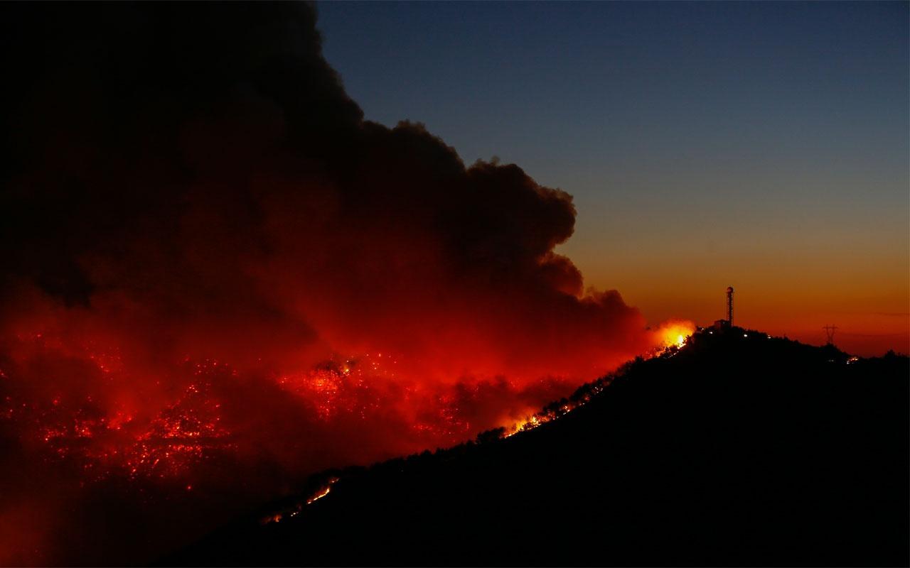 Karabağlar'daki yangın havadan görüntülendi