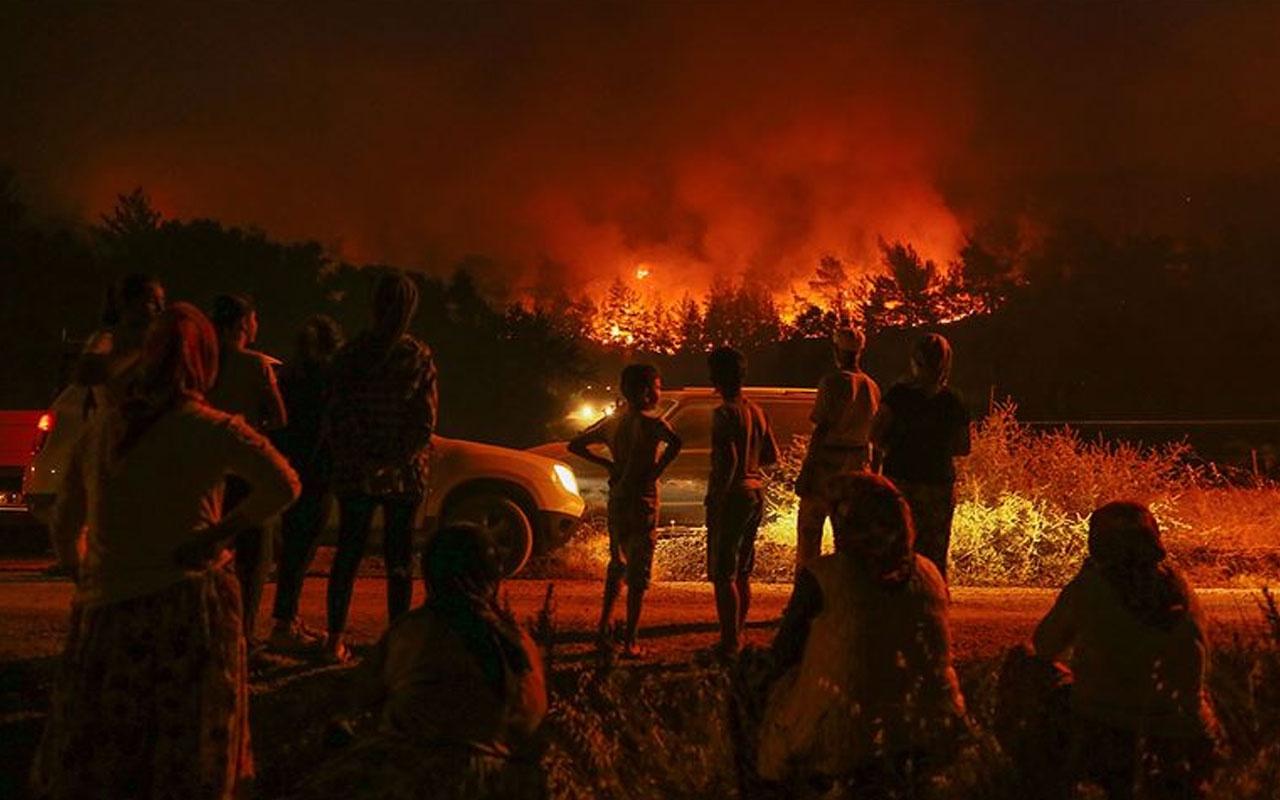 Bakan Pakdemirli: İzmir'deki orman yangınını kontrol altına aldık