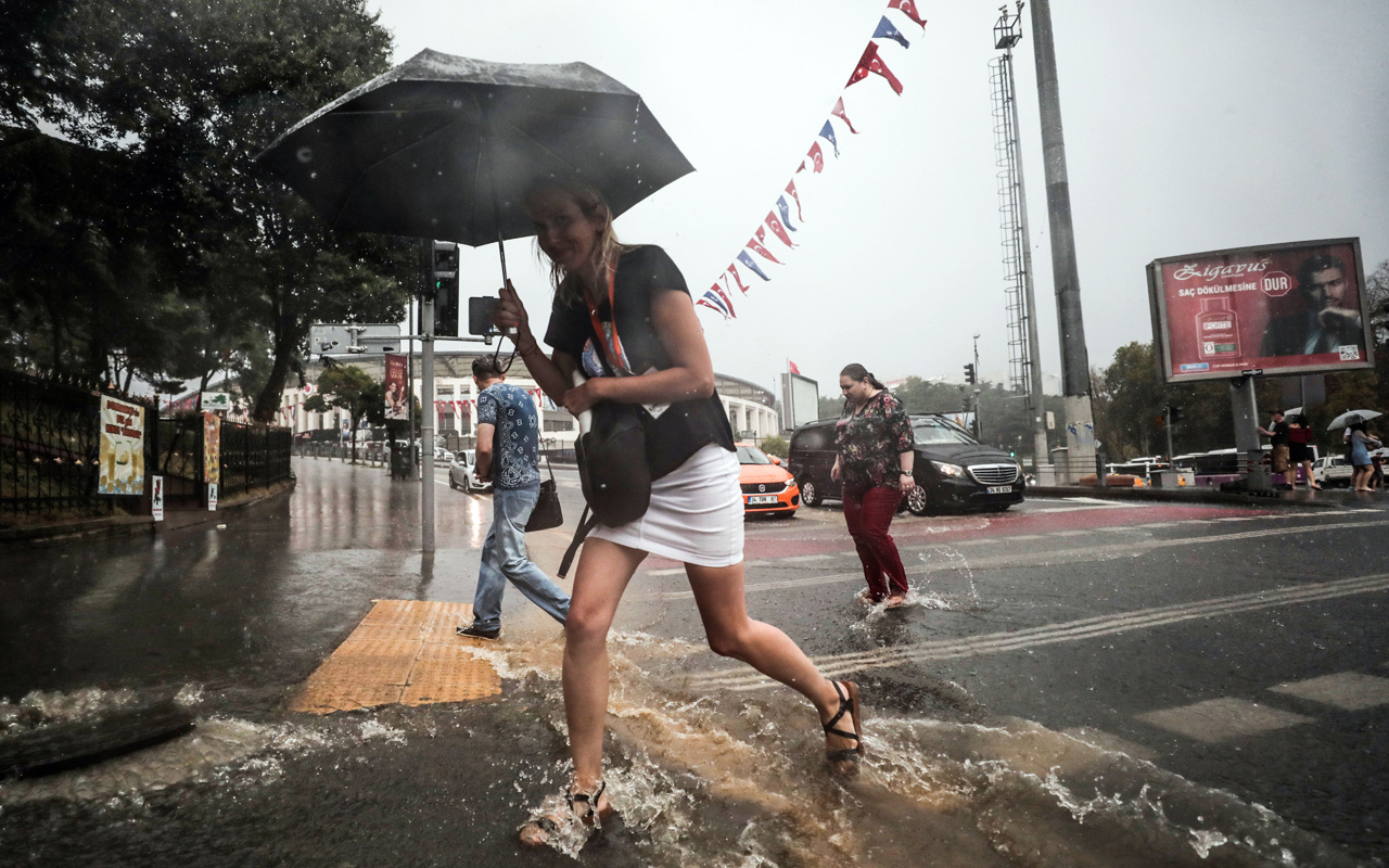 Bu bir arka kapı yağmuru! Meteoroloji profesörü İstanbul'u uyardı MGM twit attı