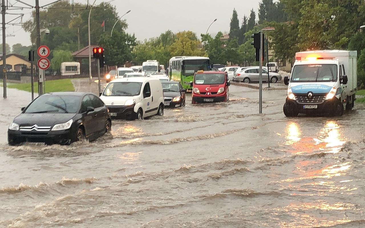 Meteoroloji uyarmıştı! Kocaeli yağmura teslim