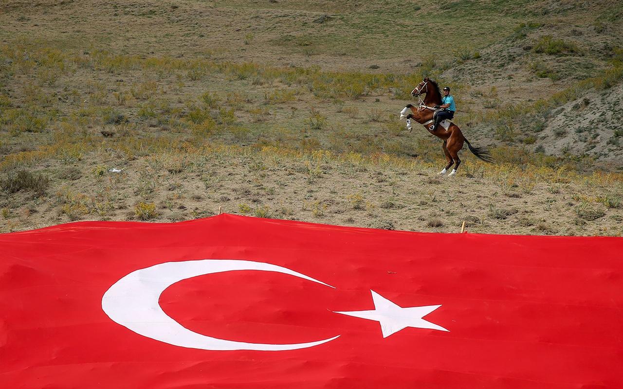 Bitlis Ahlat'ta Malazgirt Zaferi coşkusu