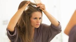 Uzmanı uyardı! Kadınlarda saçlar niye dökülür...Tedavisi var mı?