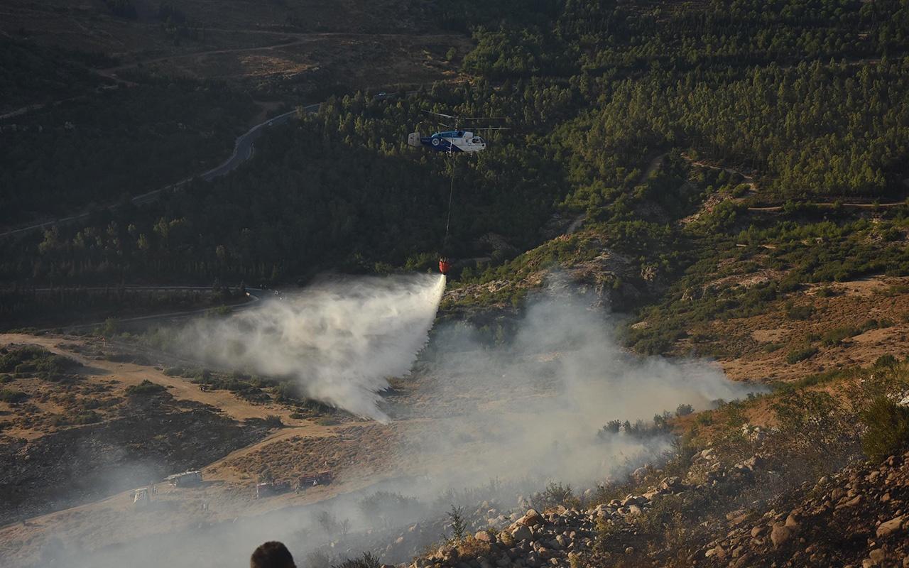 İzmir'de orman yangının çıktığı anlar kamerada