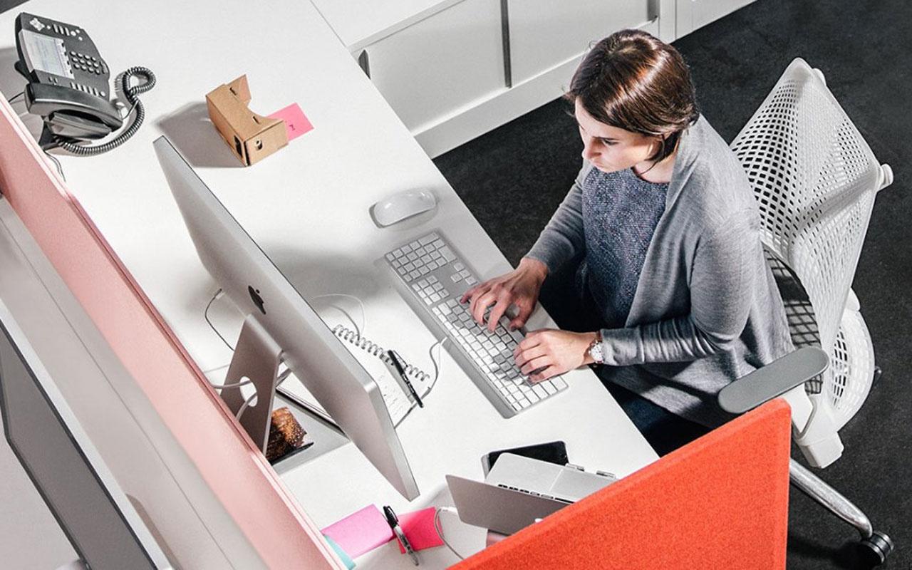 Uzmanı açıkladı! Telefon, tablet ve bilgisayarın yanlış kullanımı dirsek ağrılarını artıyor