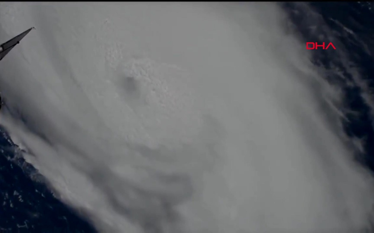 NASA Dorian Kasırgası'nın yeni görüntülerini paylaştı! Trump'tan açıklama geldi