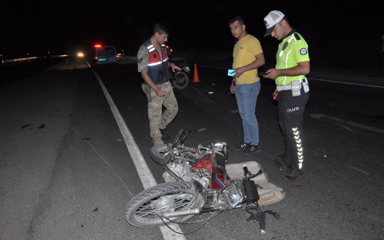 Gaziantep'te motosikletler çarpıştı: 1 kişi öldü 4 yaralı var